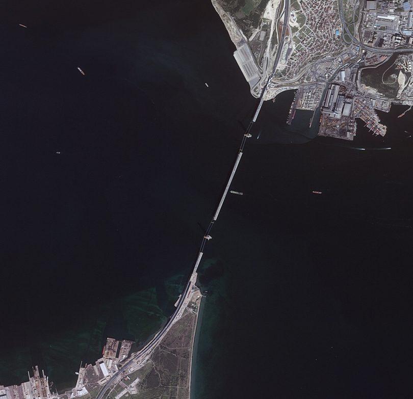 Osman Gazi Köprüsü'nün yapılışını Göktürk-2, 5 Nisan 2016'da böyle görüntülemişti.